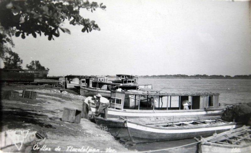 A ORILLAS DEL RIO PANORAMA