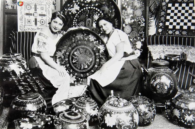 PINTURAS Y LACAS Hacia 1940