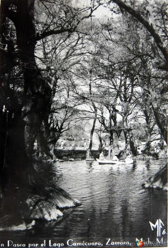 LAGO CAMECUARO Hacia 1945
