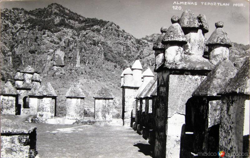 CORREDOR DE ALMENAS IGLESIA Hacia 1945