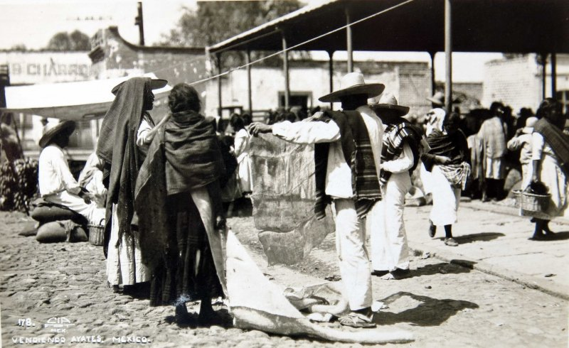 VENDEDOR DE PETATES Hacia 1949