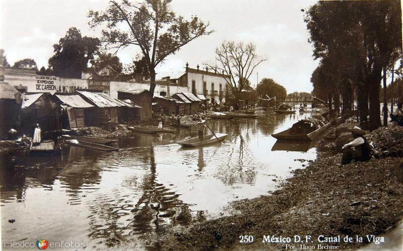CANAL DE LA VIGA por el fotografo HUGO BREHME Hacia 1930