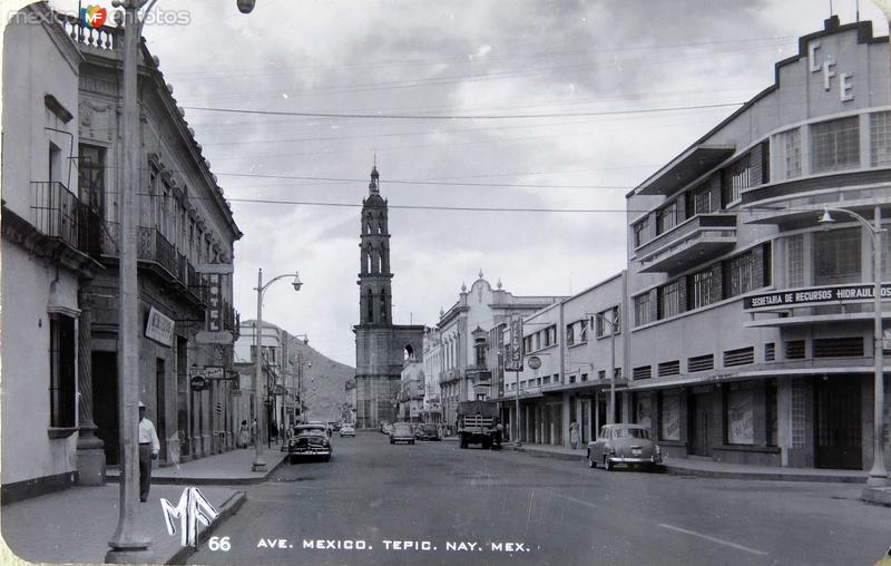 AVENIDA MEXICO La catedral Hacia 1945