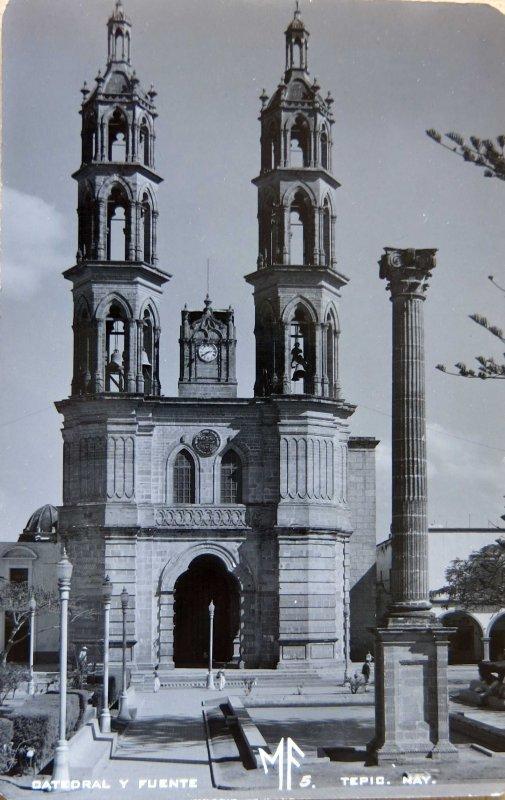 LA FUENTE Y La catedral