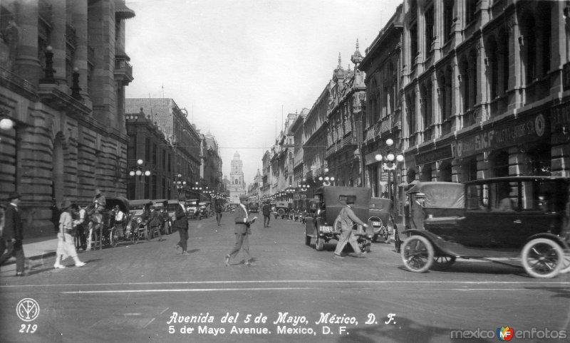 Avenida 5 de mayo (ca. 1925)
