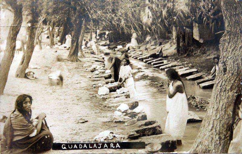 LAVANDERAS del Rio San Juan Hacia 1900