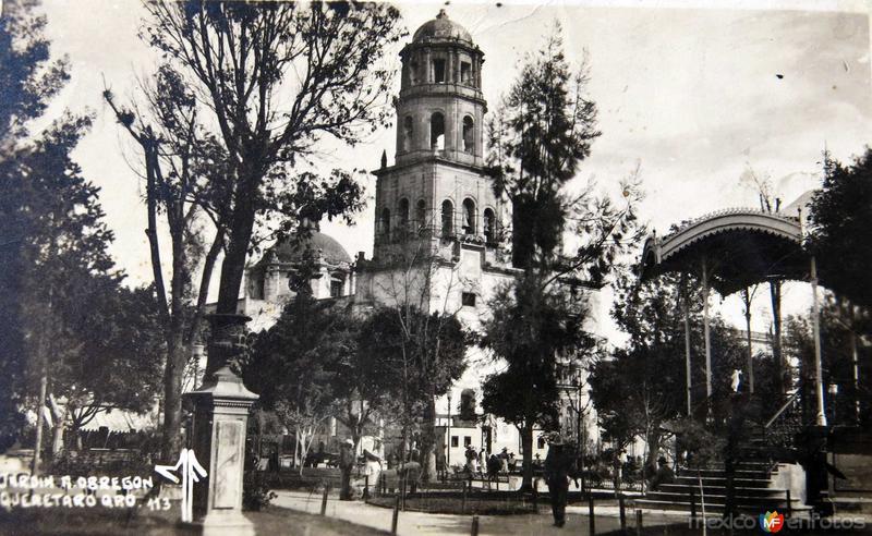 PANORAMA E IGLESIA JARDIN A. OBREGON Hacia 1945