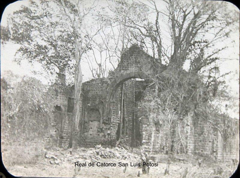 RUINAS DE UNA CASA PANORAMA Hacia 1900