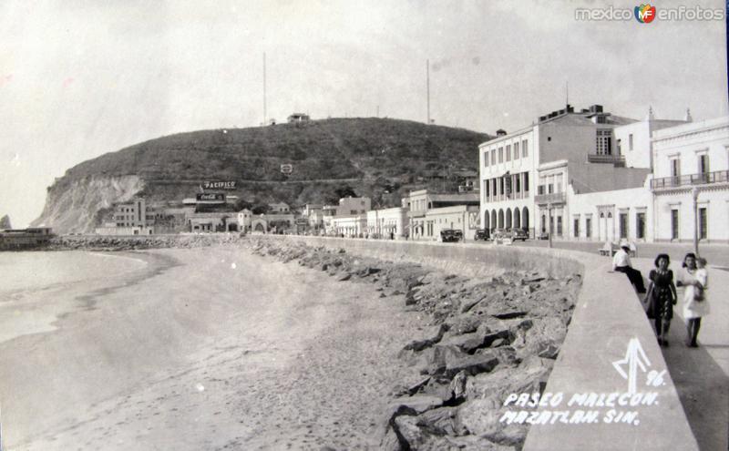 PASEO MALECON PANORAMA hacia 1945