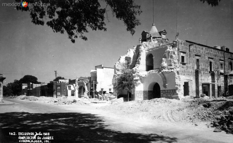Construcción de la Avenida Juárez