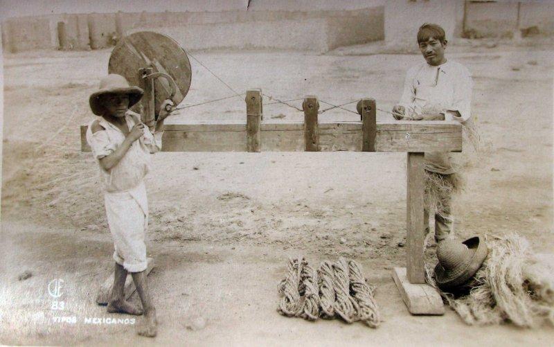 TIPOS MEXICANOS Trabajando el Ixtle 1930