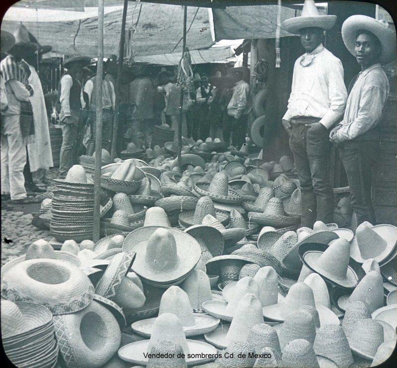 TIPOS MEXICANOS VENDEDOR DE SOMBREROS hacia 1909