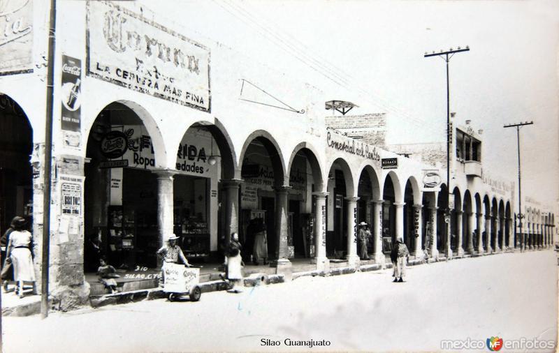 PORTALES Hacia 1945
