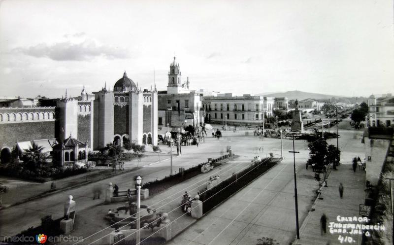 CALZADA INDEPENDENCIA PANORAMA Circa 1945