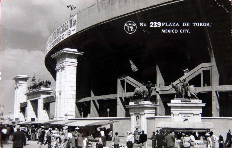 LA PLAZA DE TOROS Circa 1930-1950