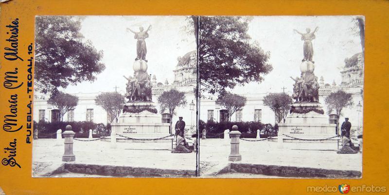 MONUMENTO A LOS HEROES DE LA INDEPENDENCIA ( VISTA ESTEREOSCOPICA) Circa 1865-1900