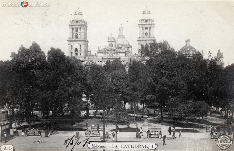 Zócalo y Catedral Metropolitana