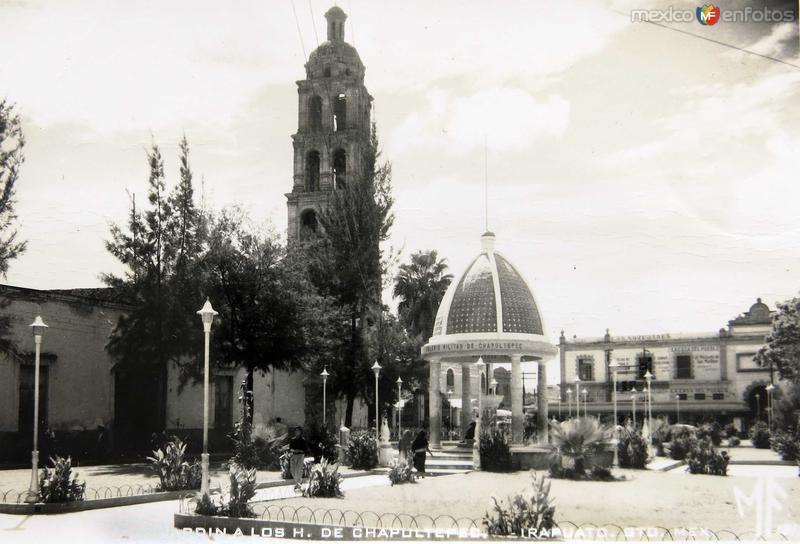 JARDIN DE HEROES DE CHAPULTEPEC Circa 1930-1950