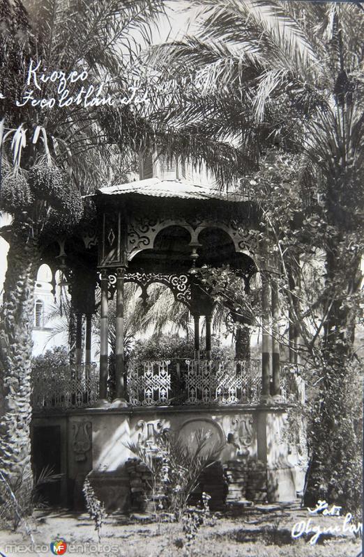 EL KIOSKO Circa 1930-1950