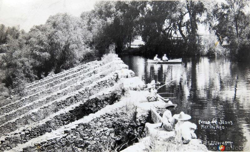 LA PRESA Circa 1930-1950