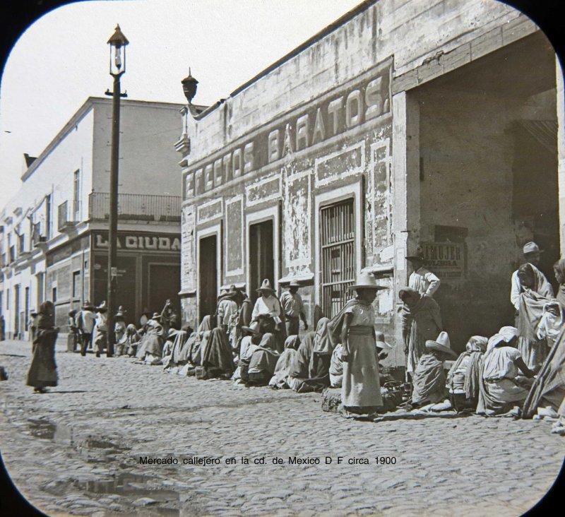 Mercado callejero en la cd. de Mexico D F circa 1900