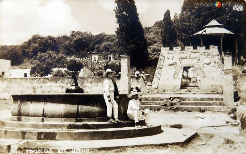 LA FUENTE Circa 1930-1950