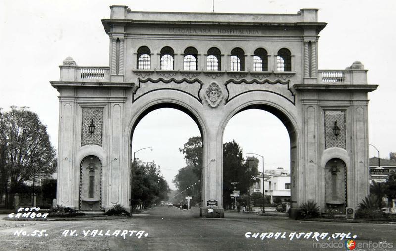 AVENIDA VALLARTA Circa 1930-1950