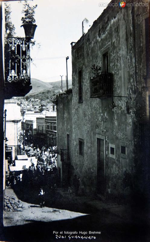 ESCENA CALLEJERA Circa 1920-1930