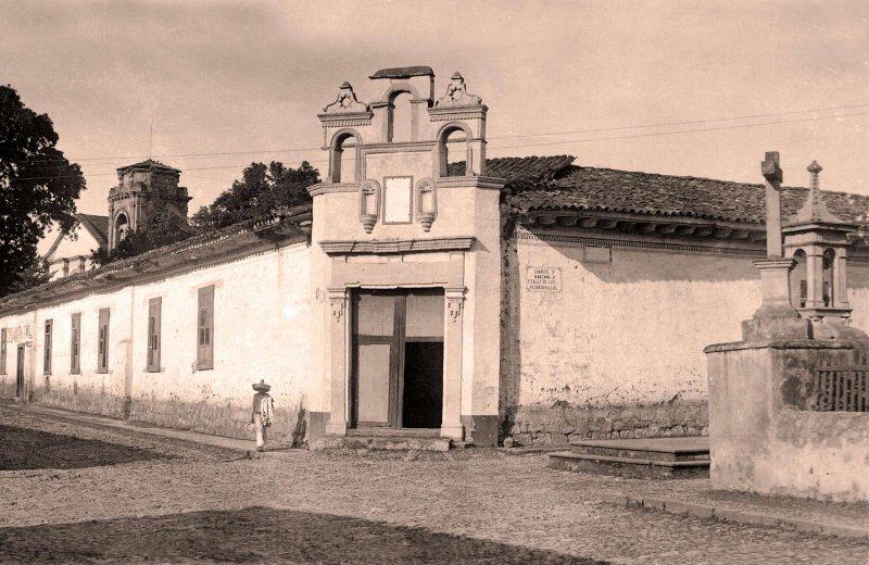 Pátzcuaro, esquina Alcantarillas y Enseñanza, 1927