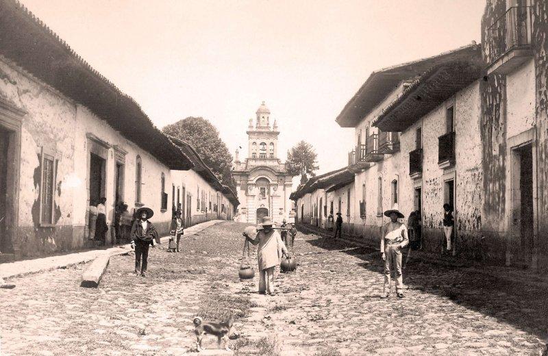 Pátzcuaro, calle típica, 1875-1907