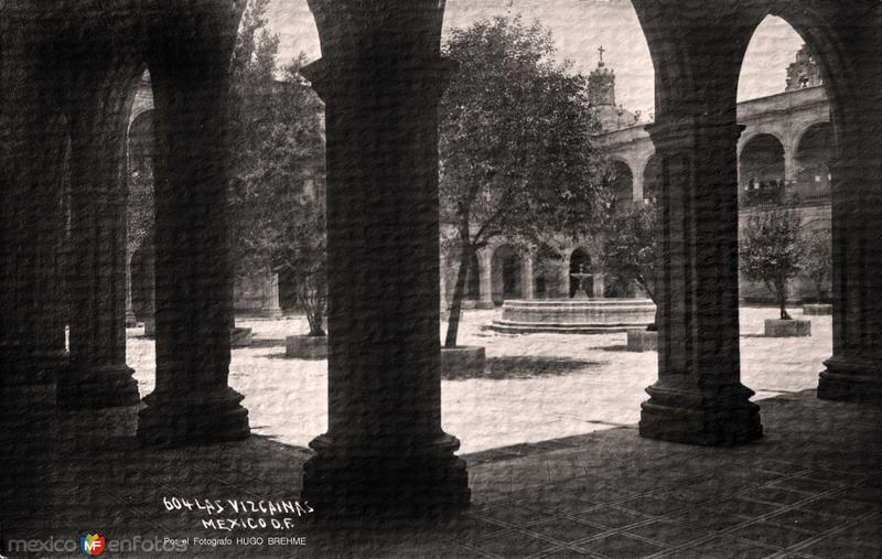 COLEGIO DE LAS VIZCAINAS Por el Fotografo HUGO BREHME circa 1930