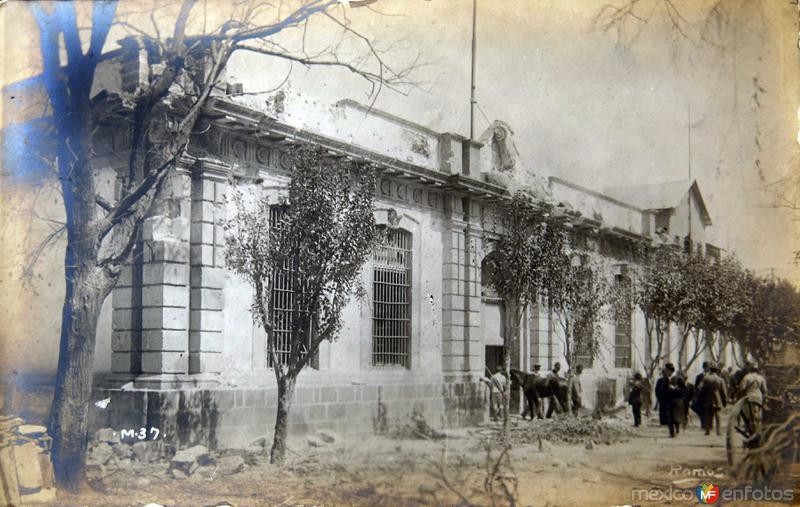 ESCENA DURANTE LA REVOLUCION MEXICANA Por el Fotografo MANUEL RAMOS circa 1914