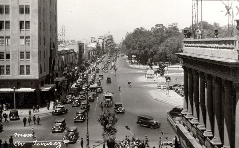 Avenida Juárez y San Juan de Letrán (Eje Central Lázaro Cárdenas)