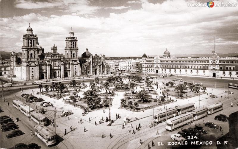 Vista del Zócalo y Catedral Metropolitana