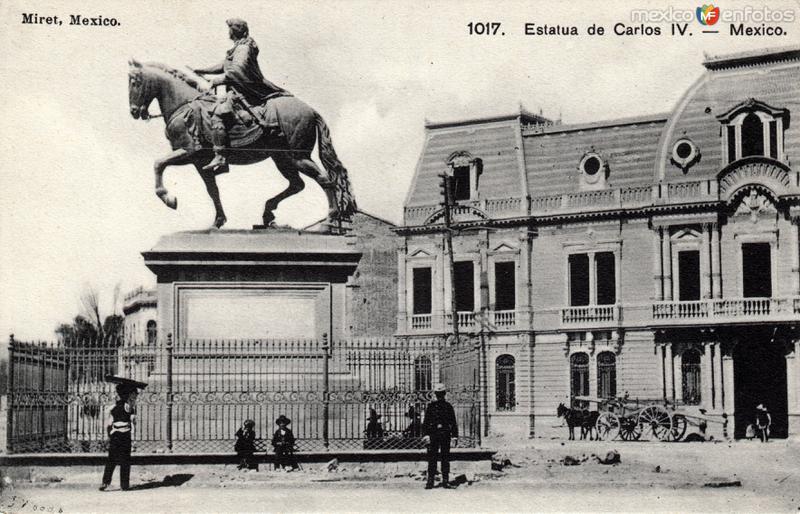 Estatua de Carlos IV