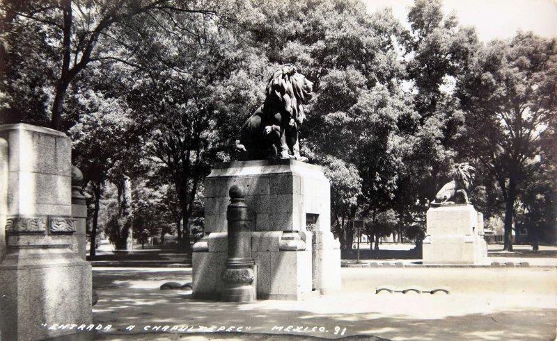 ENTRADA A CHAPULTEPEC Circa 1930-1950