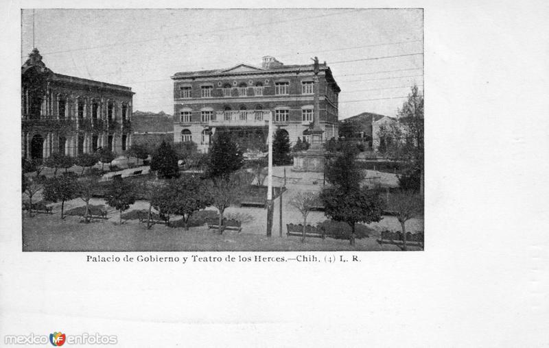 Palacio de Gobierno y Teatro de los Héroes