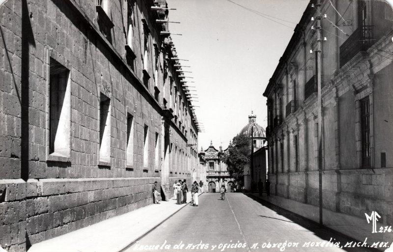 Escuela de Artes y Oficios Álvaro Obregón