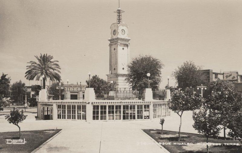 Reloj Municipal y Parque Hidalgo