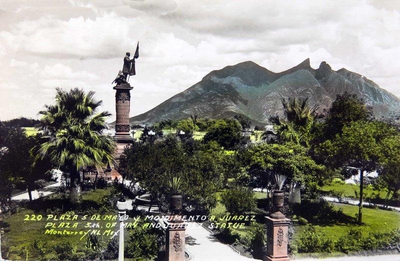 La Plaza 5 de Mayo y Mto. a Juarez