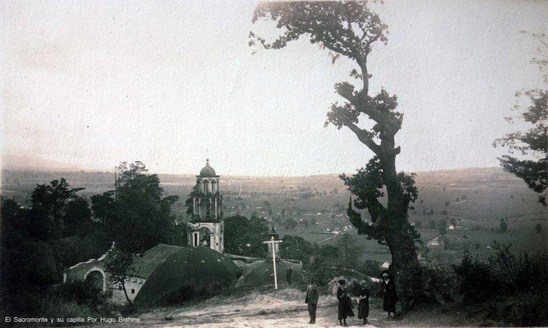 El Sacromonte y su capilla Por el fotografo Hugo Brehme