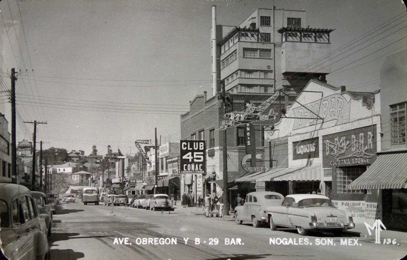 Avenida Obregon y B-29 bar