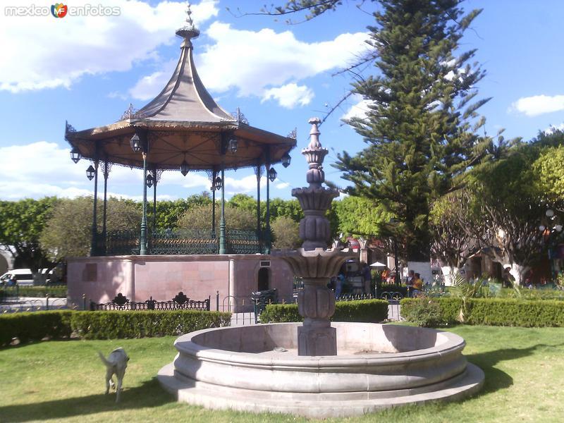 Fuente y kiosco de la ciudad. Marzo/2016