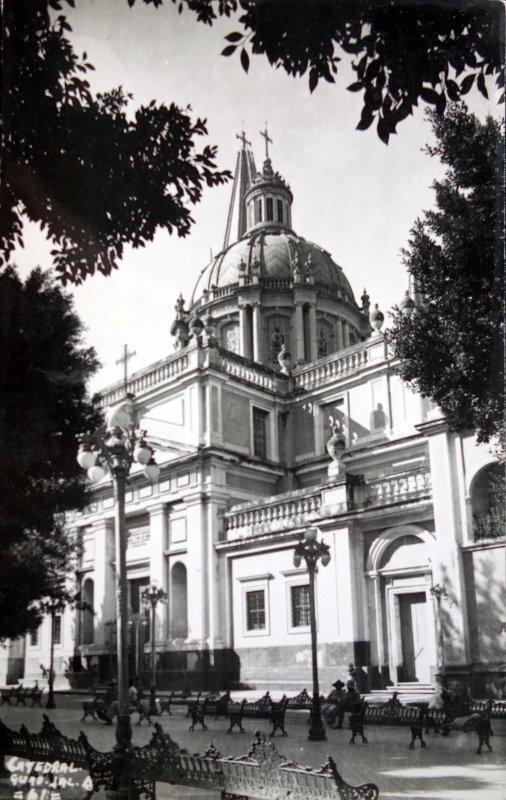 La Catedral Entre