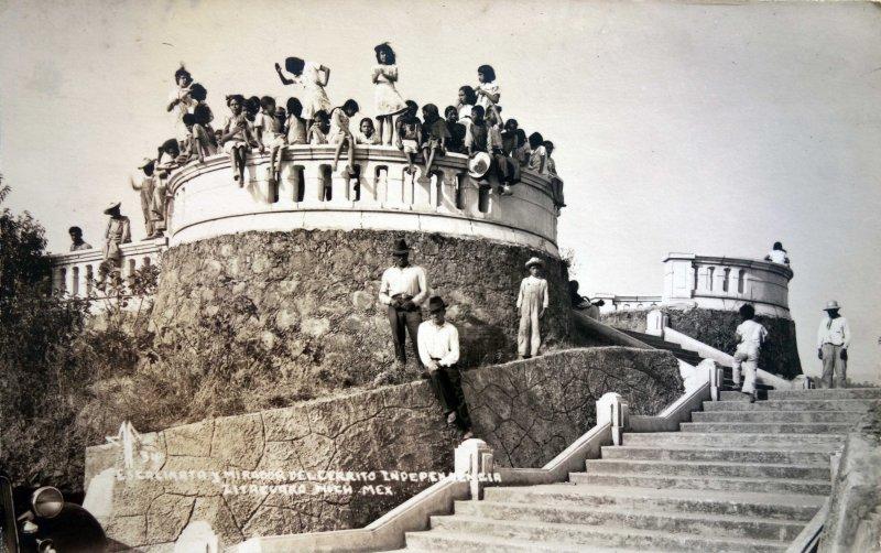 Escalinata y mirador del cerrito Independencia