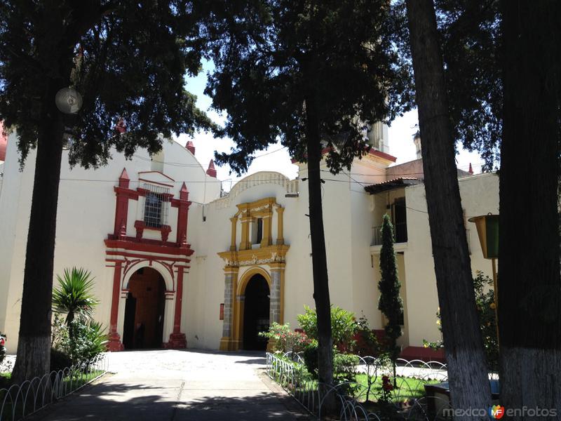 Atrio del templo de San Pablo Apetatilán. Julio/2016