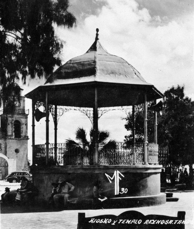 Kiosco y Templo