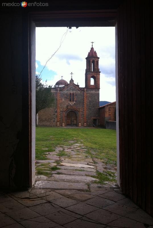 Vista desde el Casco de la Hacienda Atlamaxac hacia la Capilla