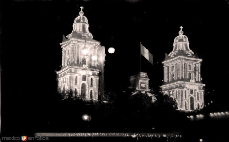 Celebracion del Primer Centenario de La Independencia de Mexico ( 15 de Septiembre de 1910 )