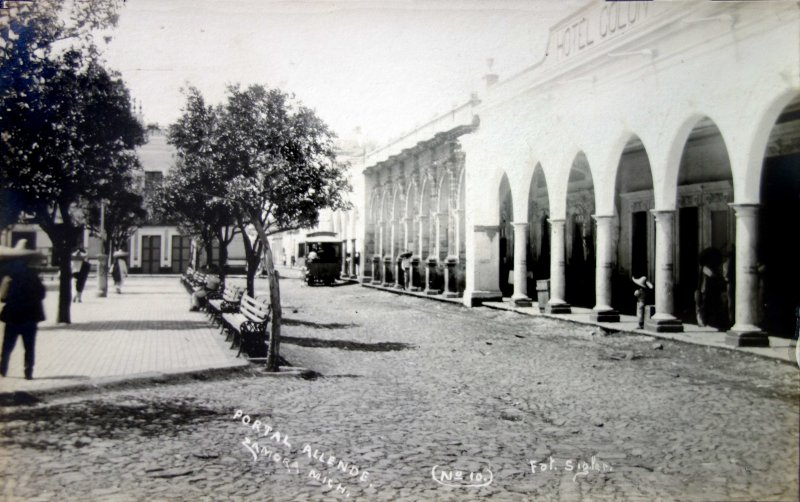 Portal Allende y Hotel Colon.